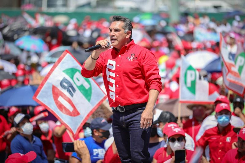 El líder nacional del PRI, Alejandro Moreno.