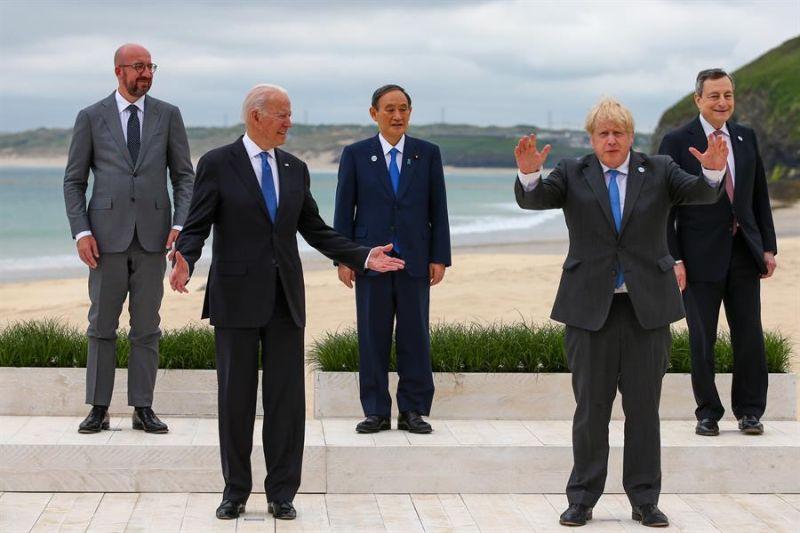 Imagen de (i-d) Charles Michel, presidente del Consejo Europeo, el presidente estadounidense Joe Biden, Yoshihide Suga, el primer ministro de Japón, Boris Johnson, el primer ministro del Reino Unido, Mario Draghi, primer ministro de Italia.