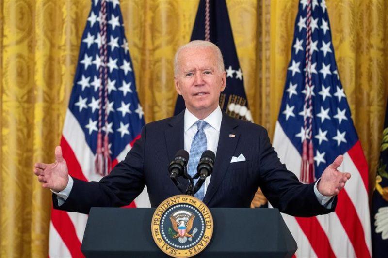 El presidente de EE.UU., Joe Biden, habla ante la prensa de los esfuerzos realizados para contener la variante delta del coronavirus, este 29 de julio de 2021, en la Casa Blanca.