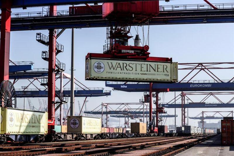 En febrero el valor de las exportaciones estadounidenses bajó un 2.6 % a 187,300 millones de dólares, comparado con 191,900 millones el mes anterior.