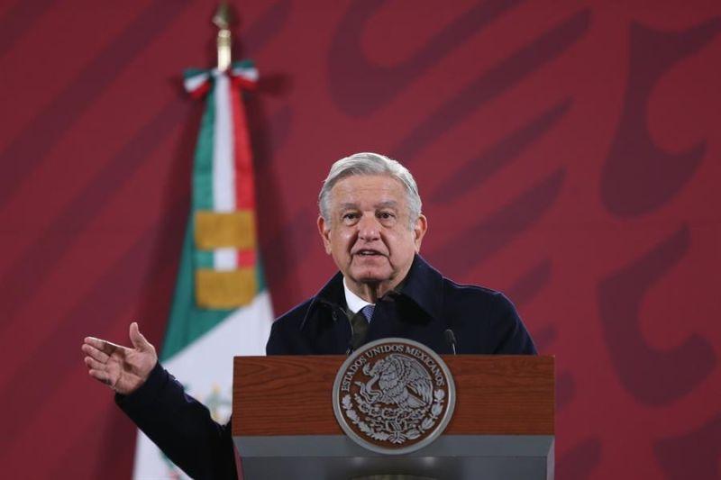 El presidente de México, Andrés Manuel López Obrador, ofrece su rueda de prensa matutina desde el Palacio Nacional, en Ciudad de México (México).