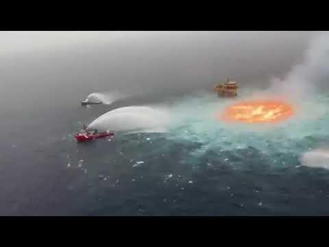 Embedded thumbnail for Vídeo viral: Pemex reporta una fuga con fuego en gasoducto submarino del sureste de México